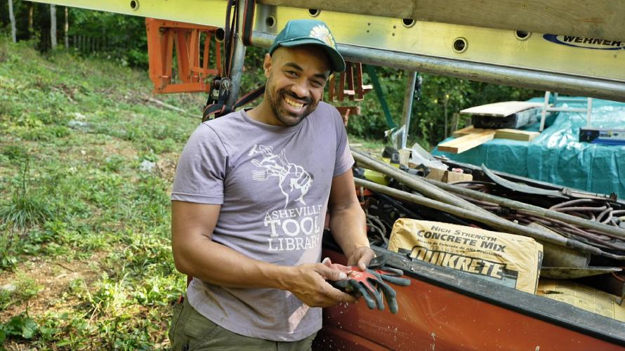 online tiny house academy instructor with tools
