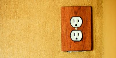 electrical outlet in tiny house